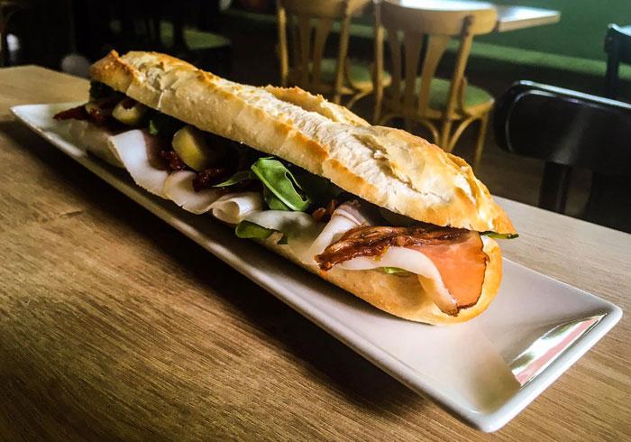 Sandwichuri-Sandwich-Forest